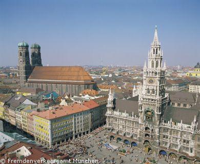 Ansicht des Marienplatz München und Neues Rathaus