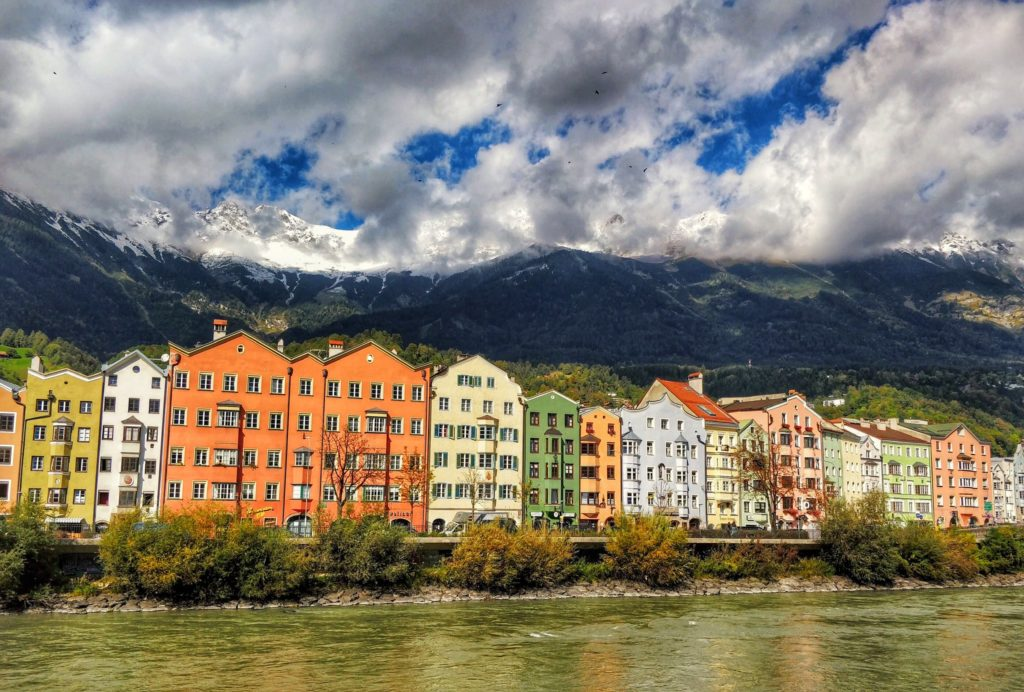 Ansicht Ufer Innsbruck Altstadt