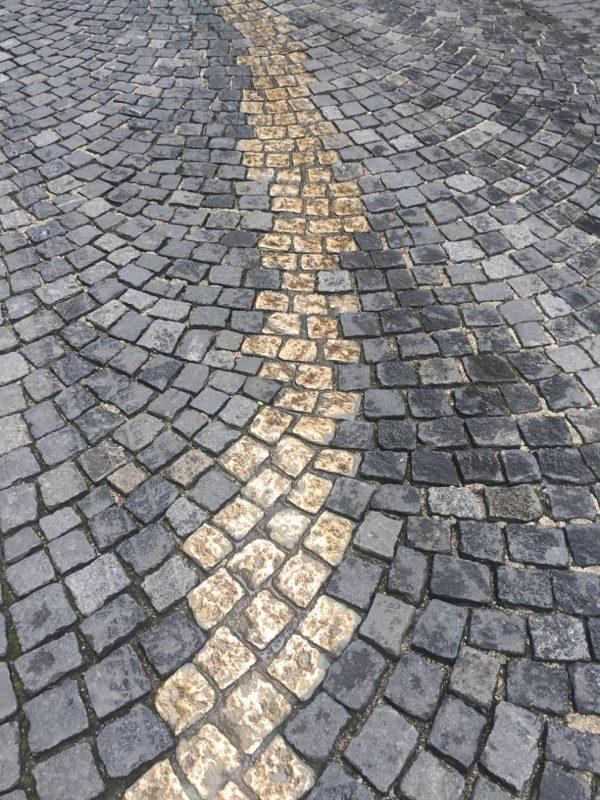 Detailansicht Bronzepflaster Viscardigasse, München